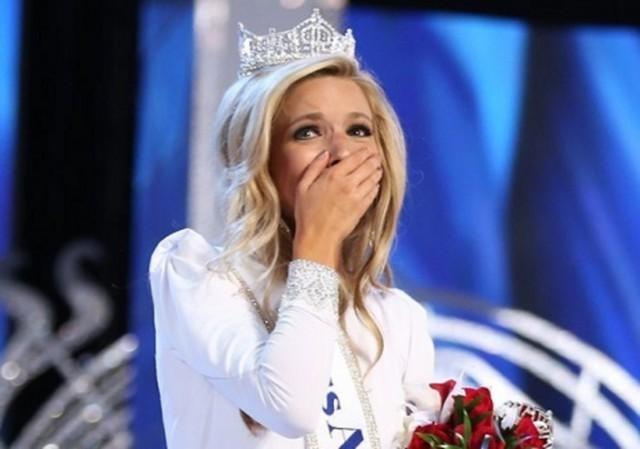 Есть девушки в наших имениях! Встречайте, первая русская мисс  USА-2015!