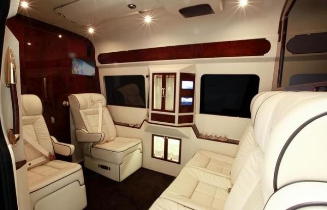 Как заработать 120 000$ на тюнинге обычного минибуса
