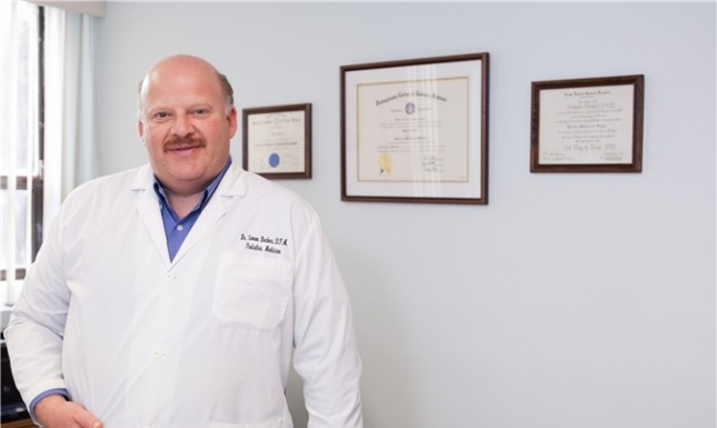 Доктор Саймон Беккер о  плоскостопии, каблуках и педикюре.