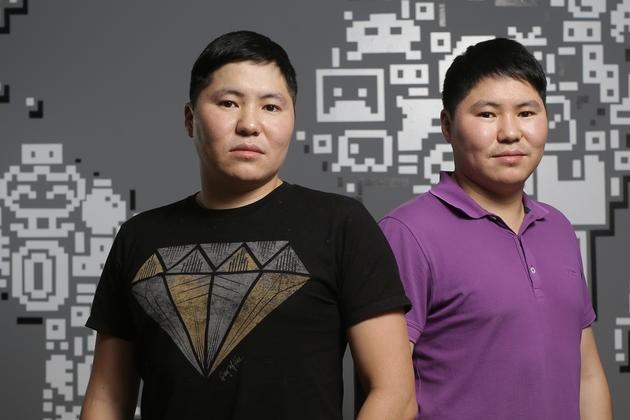 Близнецы -заики, из меленького села в Якутии зарабатывают миллионы на мировом рынке игр.