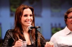 Почему же Анжелина Джоли так возлюбила Екатерину 2??