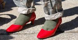 Флешмоб против насилия над женщинами. Военные на каблуках