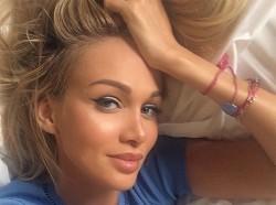 Викто́рия Петро́вна Лопырёва -уехала жить и учиться в LA