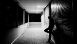 Одиночество делает больно в прямом смысле этого слова