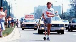 Терри Фокс - человек, который пробежал 5 000 км на одной ноге