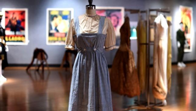 Платье из «Волшебника страны Оз» продано в Нью-Йорке за $1,5 млн