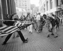 Какой позор - заморали флаг США - фото трехкратного призера Пультцера
