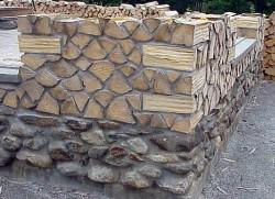 Эко-строительство: дом из...дров!