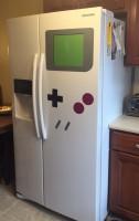 Магниты на холодильник , которые делают его похожим на гигантском Game Boy