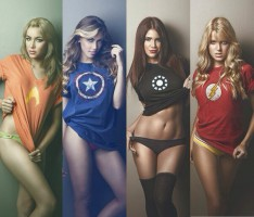 Сексуальные девушки в образах супергероинь!