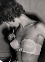 Такие бюстгальтеры продавались в 50-х годах в Америке