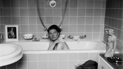 Фотографии женщины, сменившей модельную съемку на фотодокументирование ужасов войны
