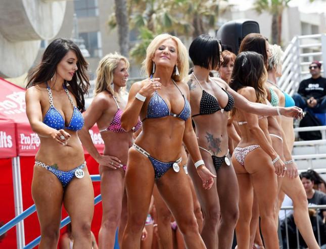 «Пляж мускулов» в Лос-Анджелесе, США