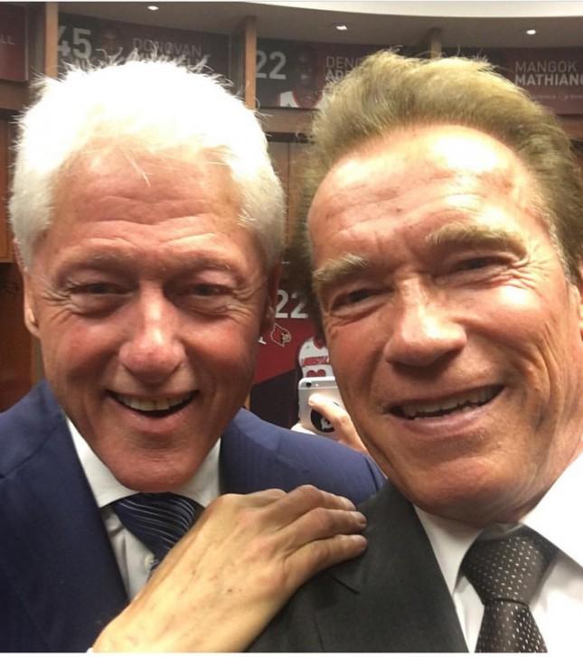 Если на твоих похоронах экс–президент США и звезда боевиков делают селфи — жизнь прожита не зря