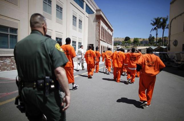 Повторное преступление (рецидив) совершаю каждый четвертый освобожденный из тюрьмы..