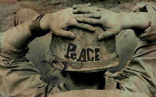Популярные надписи на касках американских солдат во Вьетнаме