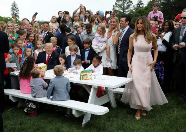 Катание яиц с президентом прошло удачно!