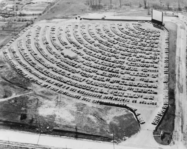 Кинотеатр для автомобилистов, 1950–е годы, Саут–Бенд, США