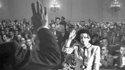 Айн Рэнд дает показания комиссии по расследованию антиамериканской деятельности, 1947 год, США