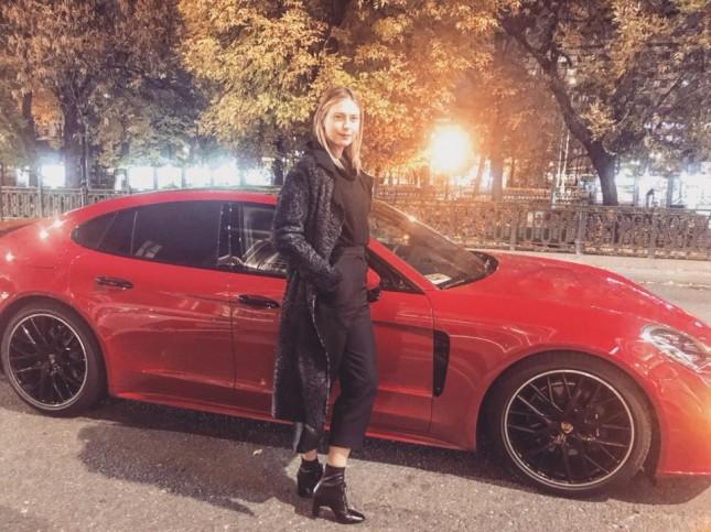 Порш в подарок американке  Шараповой от Porsche Russia
