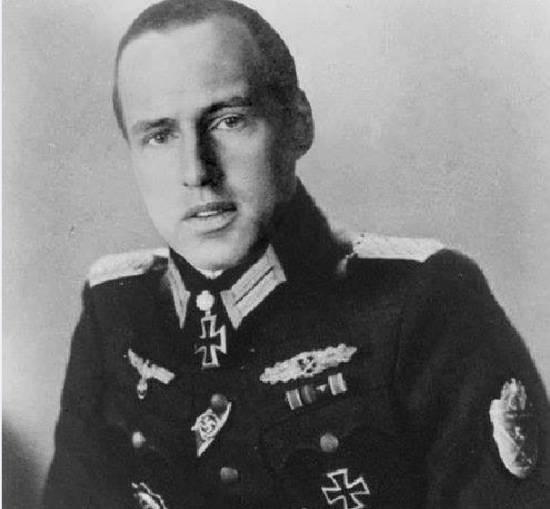 Штандартенфюрера СС, кавалер Рыцарского Креста и лауреат двух Сталинских премий 1