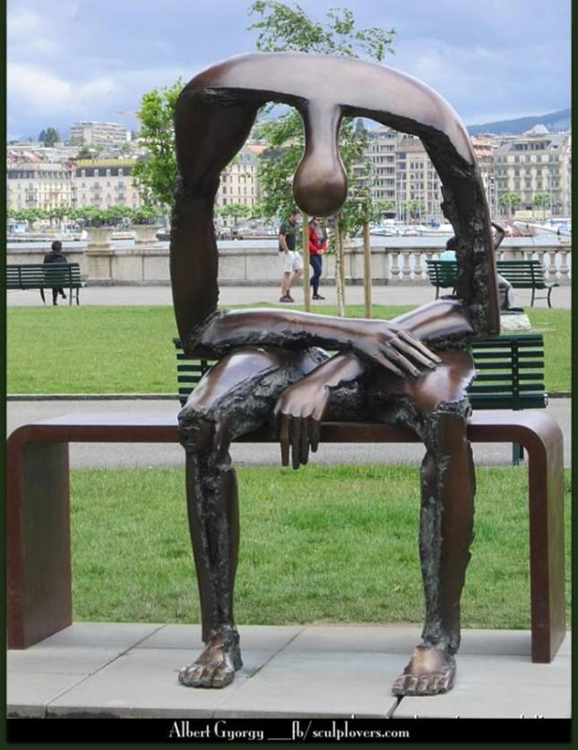 Скульптура, отображающая пустоту души