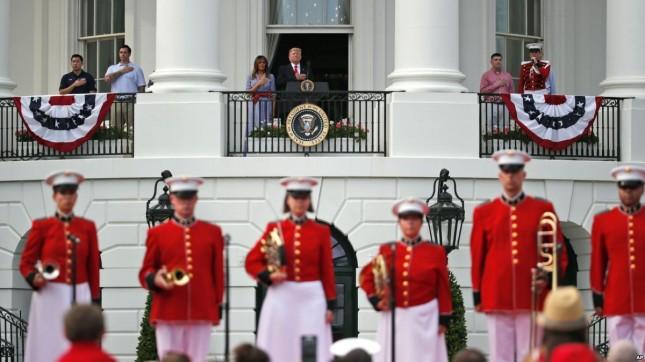 Трамп поблагодарил военных за то, что США остаются сильными и свободными